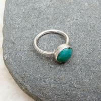 Sterling Silver Ring Band and Turquoise Stone Ring - UK Size M - RNG035
