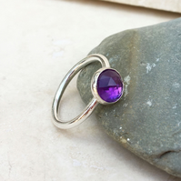 Sterling Silver and Purple Amethyst Faceted Stone Ring - Size N - RNG038