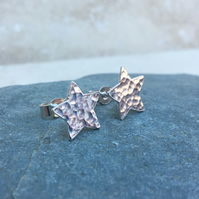 Sterling Silver Hammered Star Stud Earrings - STUD105