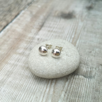 Sterling Silver 8 mm Pebble Ball Stud Earrings - STUD056