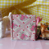 Needle Case - Red Gingham and Red & Pink Roses & Hearts