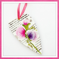 Hand painted sweet pea wooden heart.