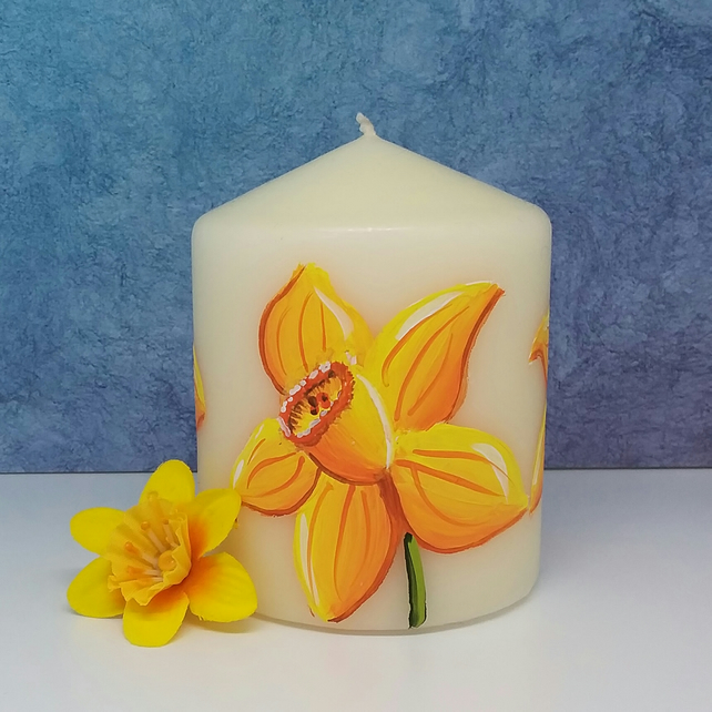 Candle - daffodil mini pillar candle