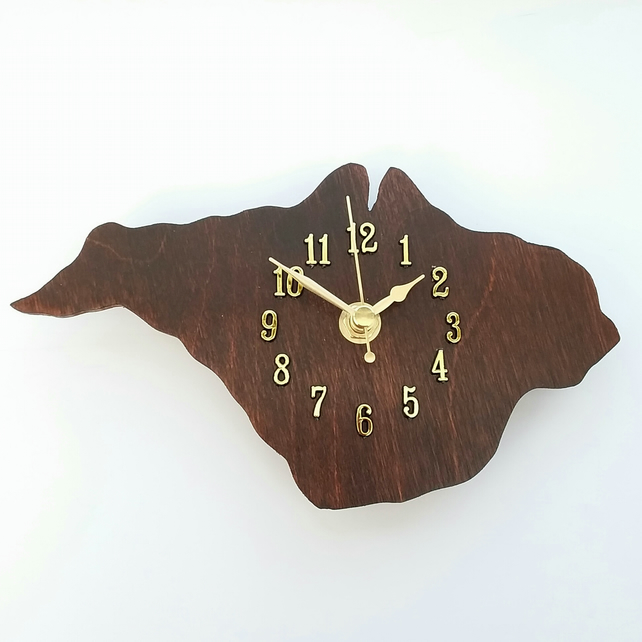 Isle of Wight clock - wood