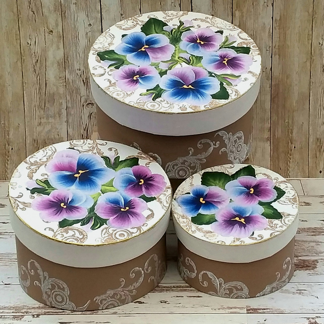 Set of pansy keepsake boxes