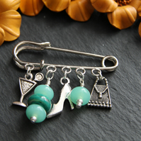Handmade kilt pin style brooch - girlie and jade green