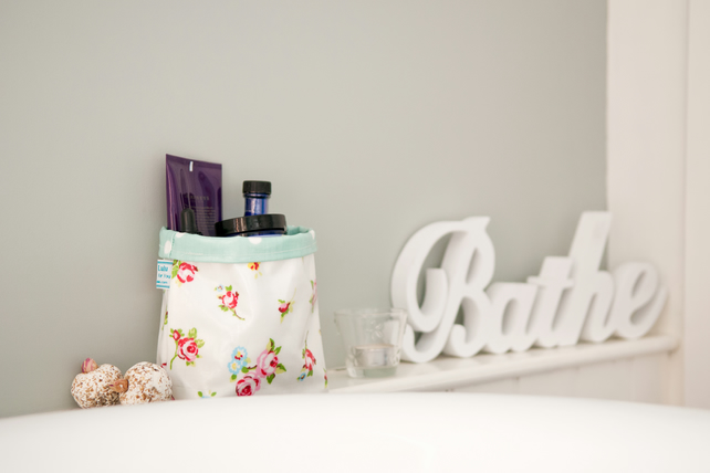 Bitsy Box - Medium Oilcloth Box