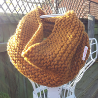 Ginger chunky knit snood