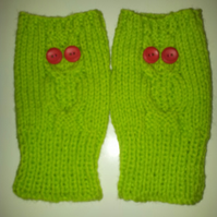 Fingerless mittens or wrist warmers