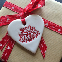 Porcelain Love Kisses Gift Tag