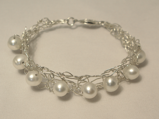 Selina bracelet - silver plated wire with freshwater pearls
