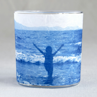 Figure Silhouette in Sea delicate candle holder blue & white
