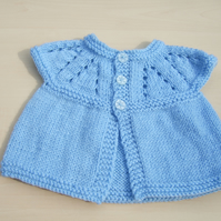 Baby sleeveless cardigan hand knitted in blue - newborn