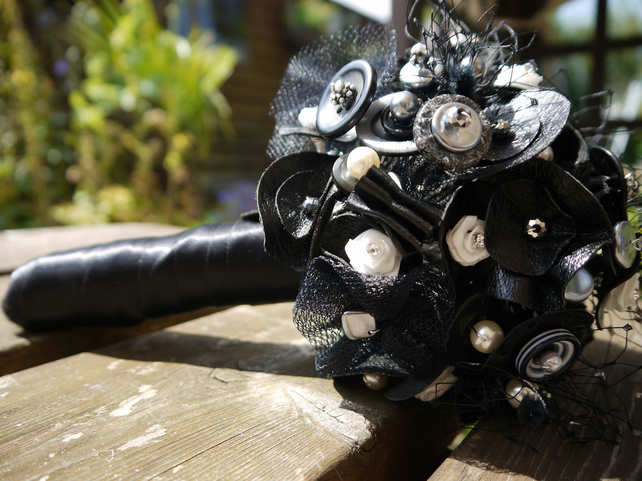 Button Bouquet - Black Leather