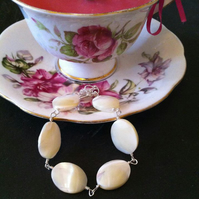 Mother of Pearl Oval Bracelet