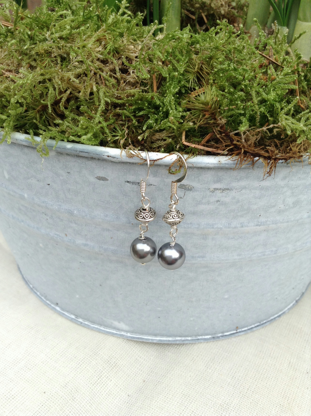 Silver Shell Pearl and Tibetan Silver Patterned Rondelles