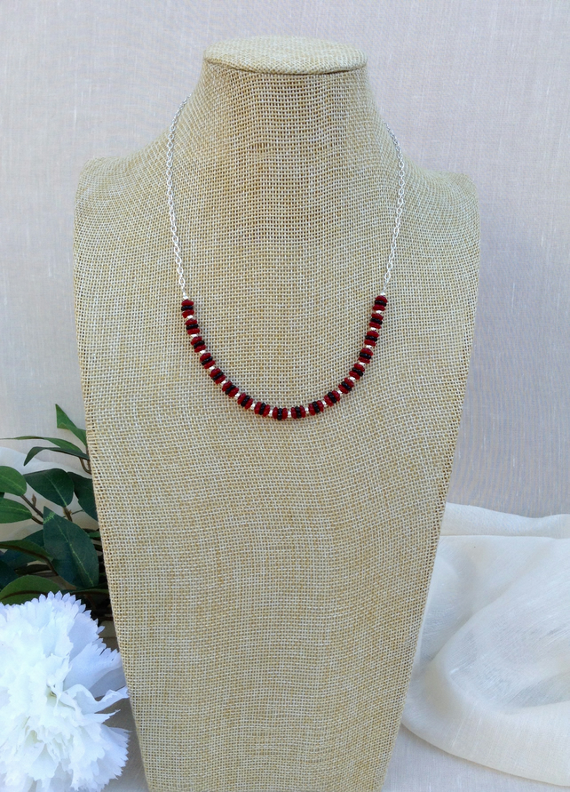 Black and Red Glass And Chain Necklace