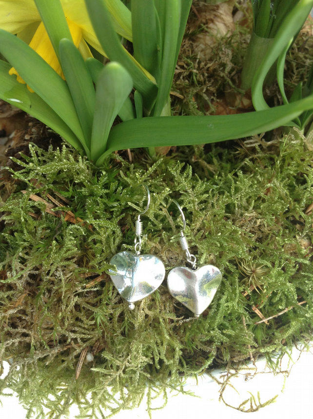 Silver Wavy Heart Earrings