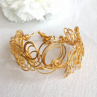 Gold Wire Cuff.      Gold Wire Bracelet  Unique Design.   Summer Bracelet