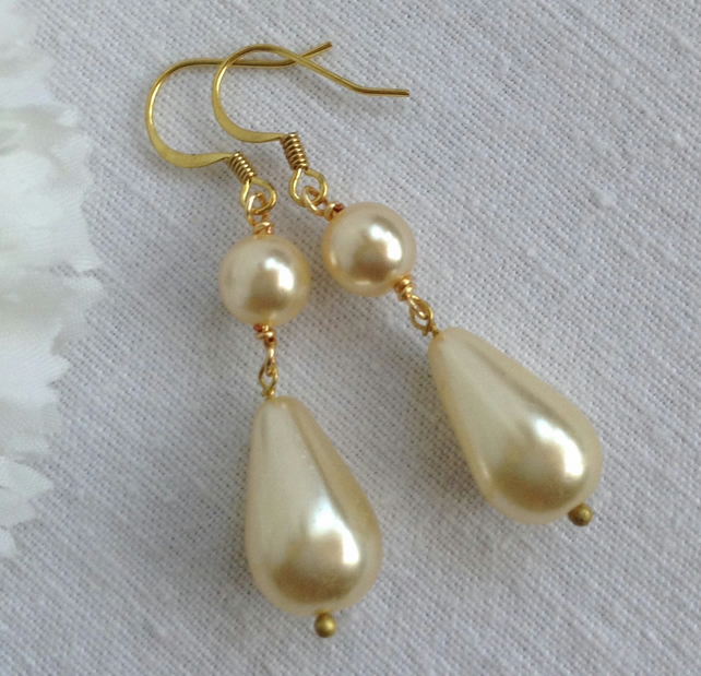 Buttermilk Pearl Teardrop Earrings