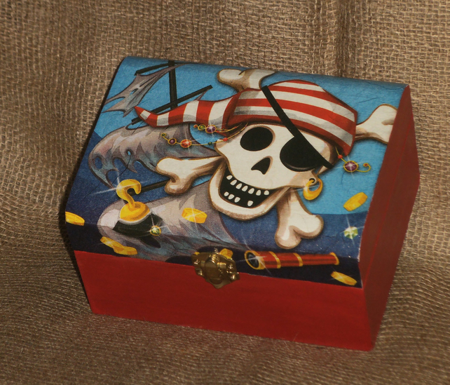 Pirate Treasure Chest Box Jolly Roger napkin decoupage