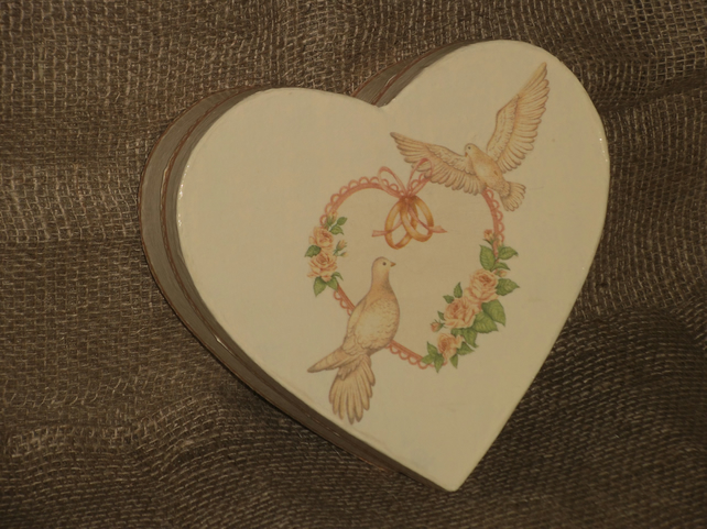 Memories Box Wedding Marriage Celebration Heart Doves Rings decoupage Unusual
