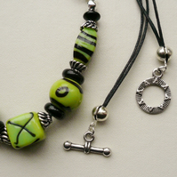 Light Green and Black Glass Lampwork Bead Collar Necklace  KCJ675