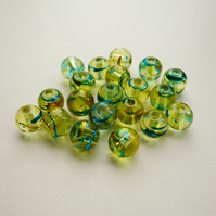 20 Golden Yellow Oil Drizzle Glass Beads
