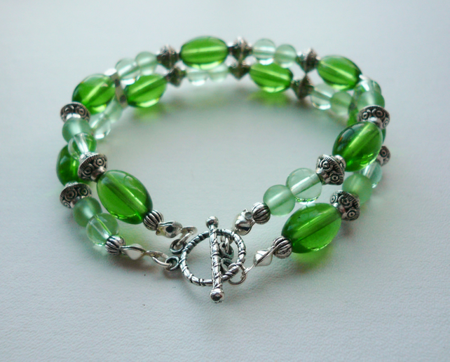 Clear Green Glass Bracelet   KCJ504