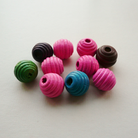 10 x Round Wooden Ribbed Beads