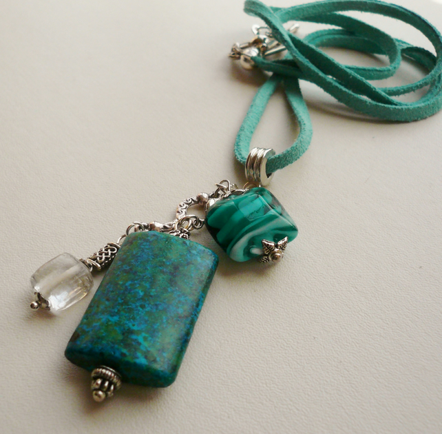 Blue Green Chrysocolla Gemstone and Glass Cluster Necklace   KCJ544