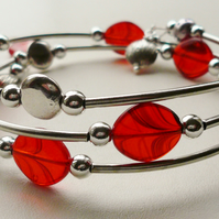 Red Veined Glass Bead Wrap Around  Memory Wire Bracelet   KCJ993