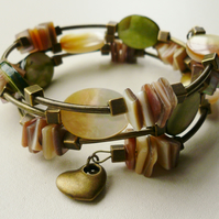 Green Shell  and Cream MoP  Wrap Around Memory Wire Bracelet KCJ1023