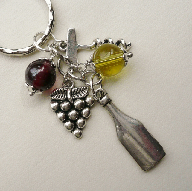 Red and White Wine Themed Keyring   KCJ1039