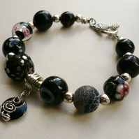 Black Mixed Bead Rose Charm Bracelet   KCJ616