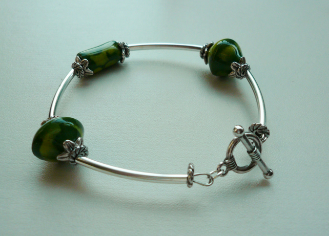 Green Handmade Painted Ceramic Bead  Silver Bangle  Bracelet  KCJ1095