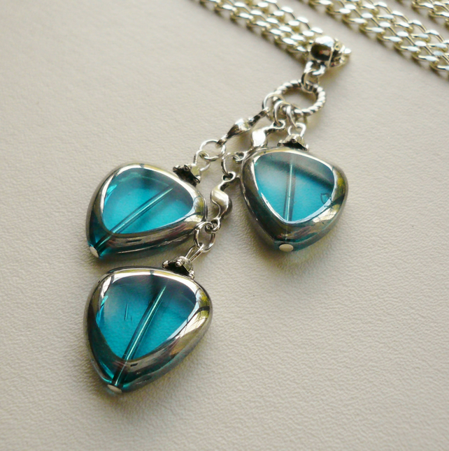 Cyan Blue Electroplated Glass Bead Cluster Necklace   KCJ621