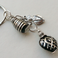 Black Glass and Tibetan Silver Scent Bottle-Effect  Keyring  KCJ1332