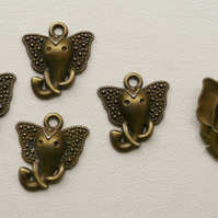 5   Antique Bronze Elephant Head Charms