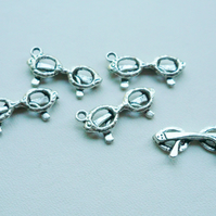 5   Tibetan Silver Spectacle Charms