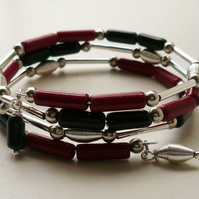 Wrap Around Memory Wire Bracelet Red Howlite Black Glass Silver Tube  KCJ1579