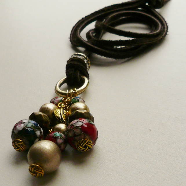 Cluster Necklace Cloisonne Beaded Gold Tone    KCJ497