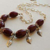 Collar Necklace Red Agate and Silver Leaf    KCJ417