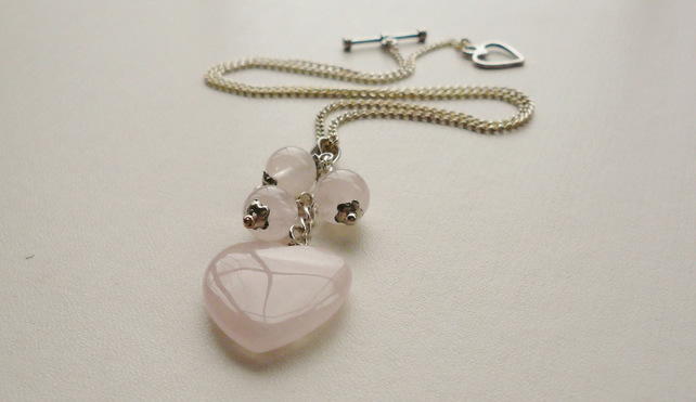 Pendant Cluster Necklace Pale Pink Rose Quartz Heart    KCJ471
