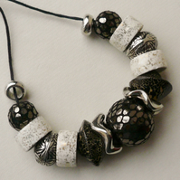 Chunky Collar Necklace Black and White Ceramic Rondelle Bead   KCJ1705