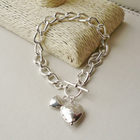 Bracelet Silver Plated Two Hearts Large Link   KCJ1723