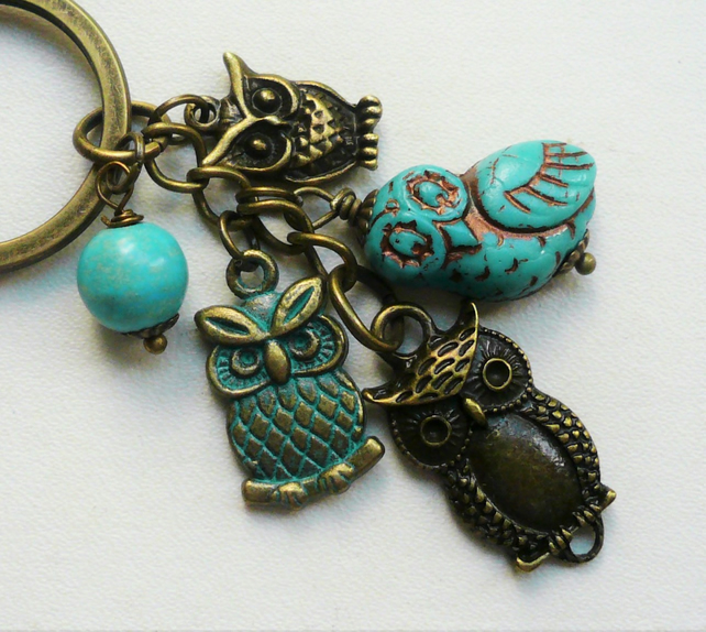 Keyring Bag Charm Turquoise Howlite Antique Bronze Owl Themed   KCJ1789