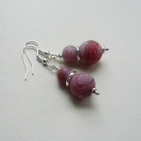 Dragons Blood Red Frosted Cracked Agate Bead Silver Dangle Earrings   KCJ1819