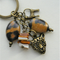 Antique Bronze Shell and Acrylic Bead Leopard Keyring or Bag Charm  KCJ1921