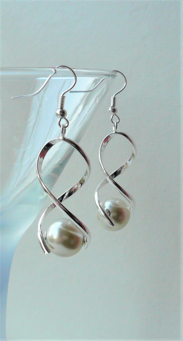 Cream Glass Pearl Silver Twist Dangle Drop Earrings   KCJ1937